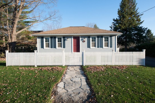 1086 Arthur Cres, Manotick On, $1495.00 + Heat and Hydro